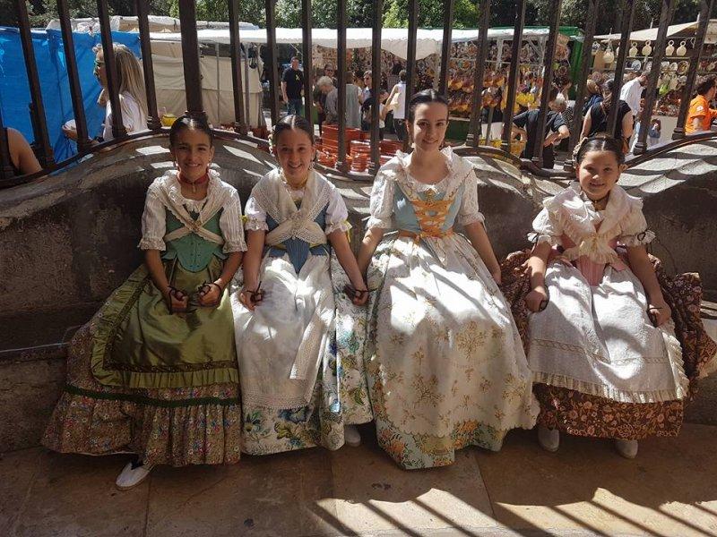 Dansà Infantil en la Plaza de la Virgen